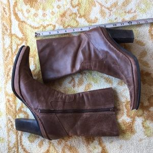 Distressed Brown Nine West Boots